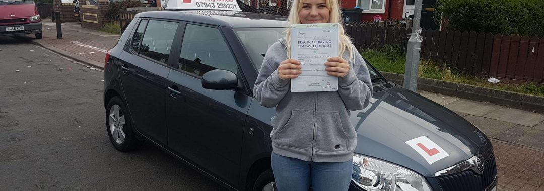 Well done to Alexandra Sosnowska who today passed her driving test with just 2 minor driving faults first attempt. Cracking drive, been a pleasure to teach and i look forward to seeing you out and about.